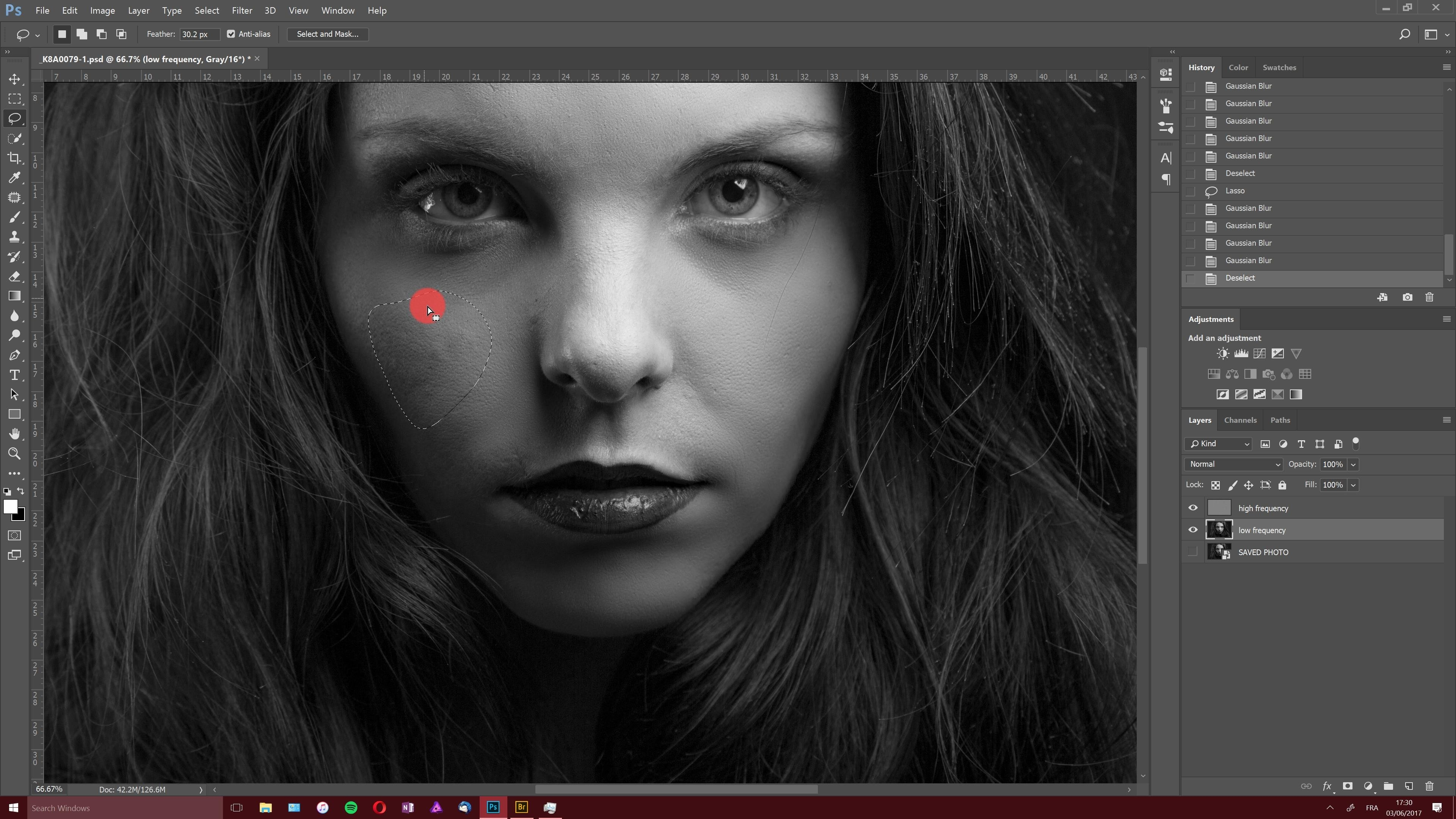 Video tutorial the art of portrait retouching black and white complete video course with photoshop cc on tuto com